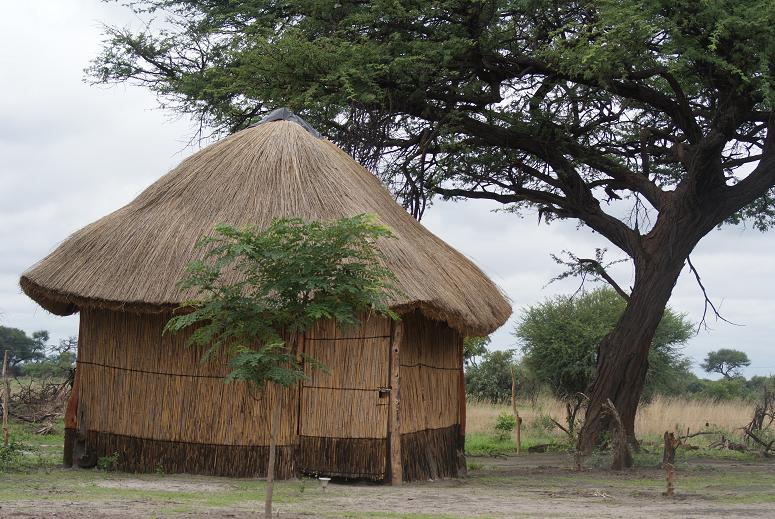 Caprivi camp hut red 1